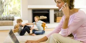 Исследование дня. У работающих мам вырастают чуть более успешные дочери